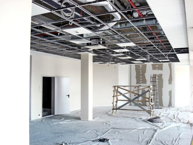 Finishing construction work in large office buildings